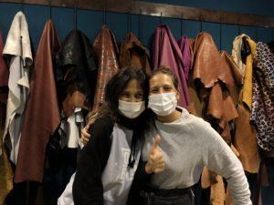 Read more about the article Incontriamo artigiani. Alice e Laura lavorano il cuoio.